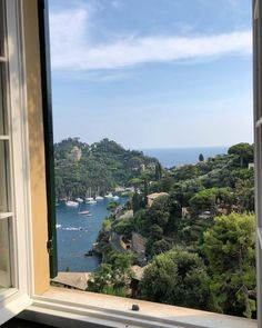 travel - view - nature - around Places To Travel, Travel Destinations, Places To Visit, Travel Europe, Beautiful World, Beautiful Places, Northern Italy, Travel Aesthetic, Water Aesthetic
