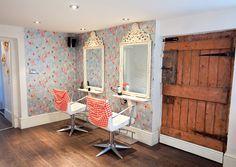 Shabby chic salon on pinterest vintage salon shabby for Salon shabby chic