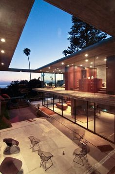 Though the house is made of interior and exterior volumes, the vertical walls and roof planes maintain the four corners of its rectangular form. Home Design Decor, Home Interior Design, House Design, Exterior Design, Interior And Exterior, Outdoor Spaces, Outdoor Living, House Rooms, Design Firms