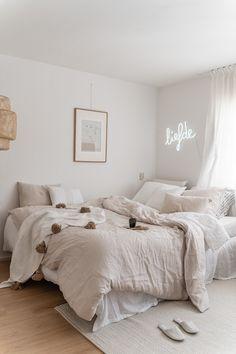 Luxury Home Interior .Luxury Home Interior Room Ideas Bedroom, Home Decor Bedroom, Decor Room, Bedroom Inspo, Beige Room, Aesthetic Room Decor, Cozy Room, Minimalist Bedroom, My New Room