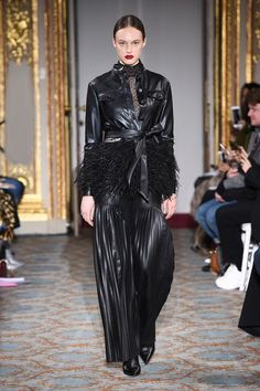 Huishan Zhang Fall 2018 Ready-to-Wear Collection - Vogue