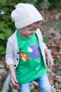 Vinny & Violet are two of the original Unlikely Friends from Jessy & Jack's line of the same name. Here they are printed in four bright, soft colors of ink on a beautiful grass green toddler tee that looks equally sweet on boys or girls.