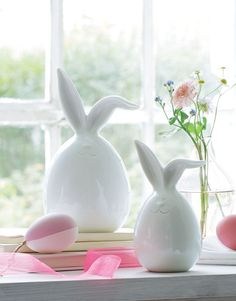 Happy Easter, Easter Bunny, Easter Eggs, Gold Candelabra, Clay Projects, Bunt, Glass Vase, Artsy, Pastel