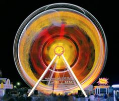 This Guy Takes Long Exposure Photos Of Carnival Rides And The Results Are Fantastic - UltraLinx