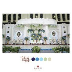 Dekorasi pelaminan dengan nuansa putih dan biru Punya tema warna untuk pernikahanmu? @laksmidecoration akan siap sedia membantu untuk mewujudkan dekorasi tema pernikahanmu Suka???