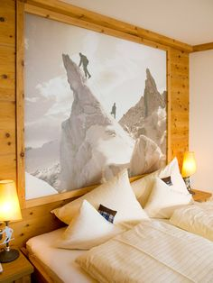 The rooms of the Sportresidenz Zillertal with a view of the Zillertal mountains and the Hochzillertal ski region Golf Courses, Tapestry, Boutique, Sport, Painting, Design, Home Decor, Hanging Tapestry, Tapestries