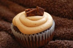 Chocolate Cupcakes with Peanut Butter Frosting | Live Faithfully