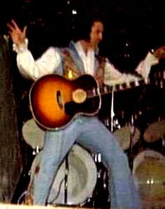 Elvis on stage in Greensboro in june 30 1976.