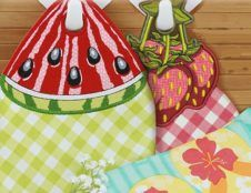 A beautiful set of Summer Towel Hangers, 9 different  designs included, very useful for your kitchen or patio. Great applique patterns.  Easy to follow instructions included.