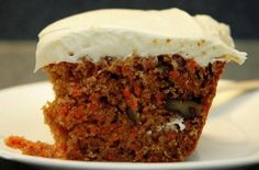 Classic Carrot Cake with Cream Cheese Frosting.the Easter Bunnys favorite Yummy Treats, Delicious Desserts, Sweet Treats, Yummy Food, Cream Cheese Desserts, Cake With Cream Cheese, Sweet Recipes, Cake Recipes, Dessert Recipes