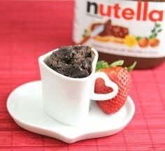Flourless Nutella Mug Cake Recipe. just 5 ingredients. less than 2 mins to make! (Mug Recipes Nutella) Mug Recipes, Dessert Recipes, Scones, All You Need Is, Homemade Nutella Recipes, Nutella Mug Cake, Delicious Desserts, Yummy Food, San Diego Food