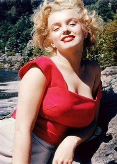 Marilyn Monroe on a break from filming Niagara, 1952