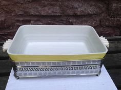 Hall China 10 Refrigerator Dish with Serving Carrier