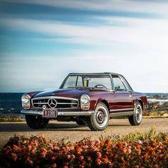 Mercedes-Benz 230 SL 'Pagoda'