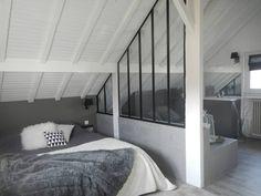 Villa Clamart: Chambre de style de style Industriel par Mesdemoiselles Design