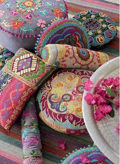 Photo: Szeretem a színes párnákat.
