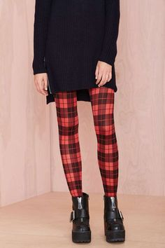 Freakin' cold + Freakin' cute = Perfect combo for the Plaid It Up Tights. Switch it up. I like the transposition of the plaid from the button-down shirt to the leggings or tights. Nice move.