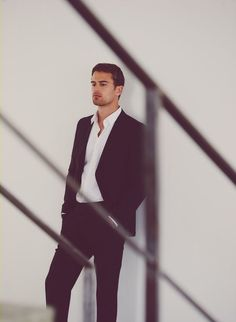 Theo James.✤❤️➳ Pinterest: @greatgrace99