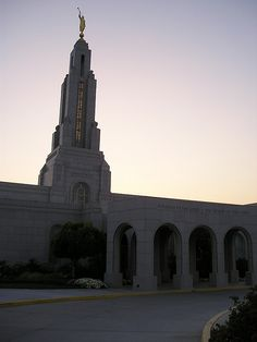 I love being LDS -  Redlands California LDS Temple at Dusk / http://www.mormonproducts.net/?p=211