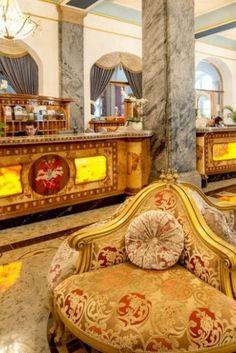Einmal im Leben wie eine Prinzessin fühlen? Mit den 5* Luxushotels bei Travelcircus geht das sogar fürs kleine Geld! Einfach auf das Bild klicken und deinen königlichen Urlaub aussuchen :)