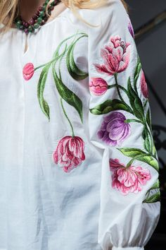 Embroidered blouse Tenderness of spring tulips is an ideal choice for the coming summer. And its hand embroidery in the form Embroidery Suits Punjabi, Embroidery Suits Design, Floral Embroidery, Hand Embroidery, Embroidery Designs, Fabric Painting On Clothes, Dress Painting, Painted Clothes, Embroidered Clothes