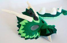 Bruce la máscara de dragón verde y cola para finja el juego fantasía hecha por encargo