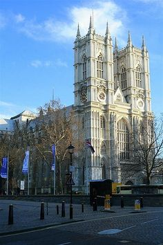 Westminster Abbey London   Built in 1061 by King Edward (King from 1042 - 1066), Coronation Church of kings