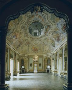 Michael Eastman, Italy, Ballroom in Catania © Michael Eastman    *Rococo Revisited