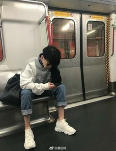 Korean Boy - 💌 - Page 2 - Wattpad Korean Boys Ulzzang, Ulzzang Couple, Ulzzang Boy, Korean Men, Korean Girl, Cute Asian Guys, Cute Korean Boys, Asian Boys, Asian Girl