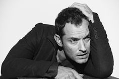 L'UOMO VOGUE - THE PERFECTIONIST - Jude Law, Londyn, 2012 - Peter Lindbergh