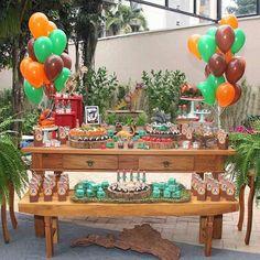 Mais uma decoração simples e muito bonita no tema Dinossauro 🐉 #festa #party #partydecor #decoracao #festademenino #festademenina #festadinossauro #festadinossauros #dinossauro #dino #festadinossauroideias #ideiasfestas #ideiasfestasinfantis #ideiafestainfantil #amorporfesta #bolo #cake #bolodinossauro #jurassicpark #festajurassicpark