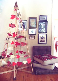 A simple handmade heart garland makes a very sweet tree on Valentine's Day. The Jubiltree Company, LLC  | Modern Wood Christmas Trees