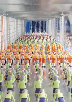 Ils font une flashmob ou quoi ? Cv Services, Le Figaro, Chic, Playmobil, Shabby Chic, Elegant