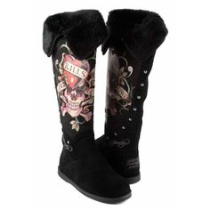 Ed Hardy Snowblazer Suede Boots. I want a pair of these! Suede Boots, Shoes Heels Boots, Skull Shoes, Christian Audigier, Skull Fashion, Fashion Shoes, Don Ed Hardy, Custom Shoes, Swagg