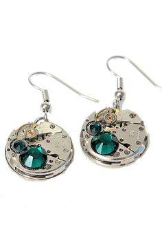 Steampunk øredobber -mørk grønn. Steampunk, Drop Earrings, Jewelry, Fashion, Moda, Jewlery, Bijoux, La Mode, Jewerly