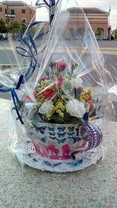 Tazzona porta vaso in cannucce di carta e decoupage #paper #decoupage #papercraft #fattoamano #creareconlacarta #carta #farfalle #lemaddinecreano #lemaddine #intrecci #intreccidicarta #tazza