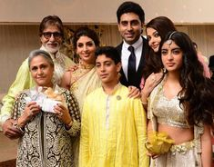 Amitabh Bachchan Biography, age, height, weight, Family, photos. amitabh Bachchan wiki, Girlfriends, wallpapers, award, upcoming movies, wife, images #Amitabh_Bachchan #Actor_Amitabh_Bachchan