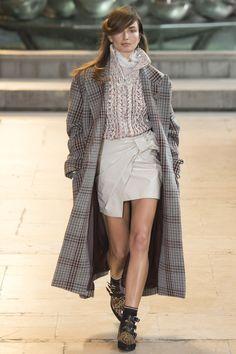 Isabel Marant Fall 2016 Ready-to-Wear Fashion Show Andrea Diaconu. Comparing to Balmain Marant's star casting is far superior in every aspect