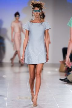 Rooi Rose | Hendrik Vermeulen spog met nuwe reekse Short Sleeve Dresses, Dresses With Sleeves, Couture, Rose, Lady, Fashion, Moda, Pink, Sleeve Dresses