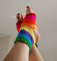 Yoga sock Crochet Pattern By Sara Sach -I have made this pattern using different weight yarns,