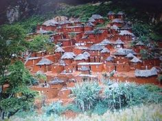 "This is called a ""sanzala"" in Angola and ""semsala"" in Brazil (the slave housing)"