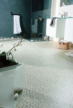 Salle de bains : 11 revêtements de sol hyperlookés                              …