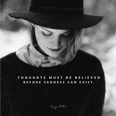 [caption id=attachment_2970 align=alignright width=300] Een gedachte is onschadelijk totdat we er geloof aan hechten. Het zijn niet onze gedachten, maar het geloof wat we...