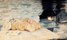 La preparazione del pane negli antichi forni di villaggio