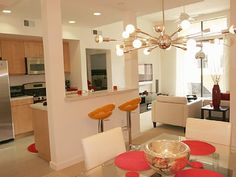 Palm Springs condo rental - Dining and Living Area