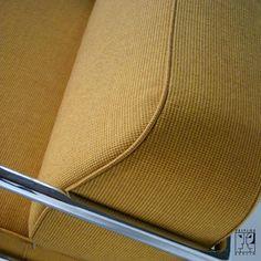 Tubular steel couch according to a draft by Anton Lorenz - ZEITLOS – BERLIN