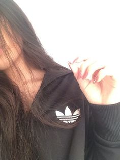 Sneakers femme - Adidas Superstar Rose Gold - Adidas Shoes for Woman Hipster Girl Photography, Teenage Girl Photography, Boy Photography Poses, Stylish Photo Pose, Stylish Girls Photos, Stylish Girl Pic, Best Photo Poses, Girl Photo Poses, Girl Photos