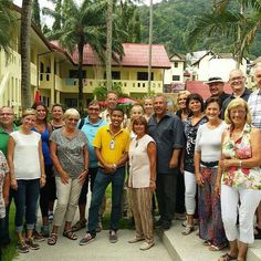 Eine zufriedene Tai Pan Gruppe im Austrian Garden #taipan_thailanf #thailand #phuket #somachtarbeitenspaß #reisebüro #weloveourjob #taipantouristik