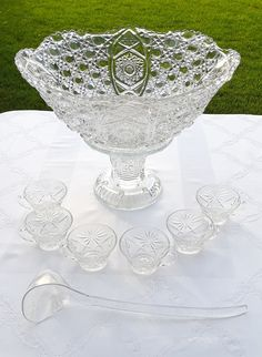 Punch Bowl & Cups - Button Punch Bowl