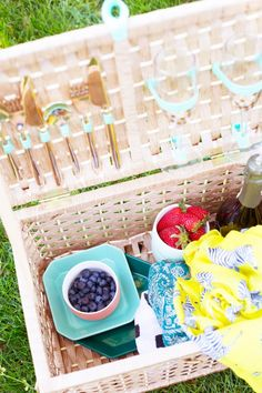 DIY Picnic Basket @LovelyIndeed give with decorated glasses, dip dyed glasses and homemade jams